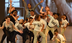 CBLJKidsDancePose_FI